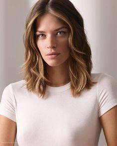 Hair Care Tips and Tricks Medium Hair Styles, Natural Hair Styles, Short Hair Styles, Cut My Hair, Hair Cuts, Women Haircuts Long, Short Wavy Haircuts, Ombre Look, Hair Contouring