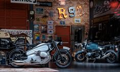 'Nostalgia' is an aftermarket motorcycle kit by Florida's NMoto Studio. Based on a BMW R Nine T its design was is based on the arto deco styled BMW Motorcycle Workshop, Retro Motorcycle, Motorcycle Garage, Bmw Motorcycles, Vintage Motorcycles, Bmw Cafe Racer, Cafe Racers, Kawasaki Bikes, Nine T