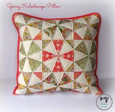 """""""Spring Kaleidoscope"""" Pillow"""" Free Quilted Pillow Pattern designed by Charise Randell of Charise Creates from Sew Mama Sew Quilting Tutorials, Sewing Tutorials, Quilting Projects, Bag Tutorials, Patchwork Cushion, Quilted Pillow, Patchwork Bags, Small Quilts, Mini Quilts"""