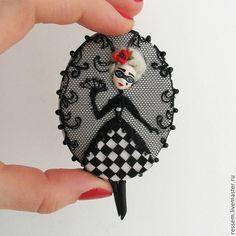 """Купить Брошь """"Коломбина в чёрном"""" - карнавал, брошь, венеция, дель арте, коломбина, чёрно-белый"""