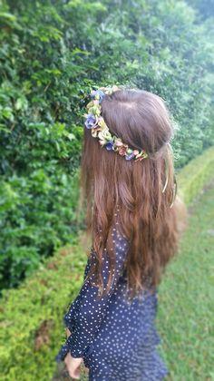 Flower crown by Florosaria - florosaria.flowers@gmail.com #flowercrowns #sydneyflowercrowns #florosaria #flowersbyflorosaria #sydneyweddings #weddingsinspo #weddings #sydneyflorist #rusticflowers #bohemianflowers #hellomay #onefineday #brides #bridalideas #flowercrowninspo #sydneyflowers #flowers #wynsical #boho #bridalideas #gypsyweddings #gypsy #dreams #pretty