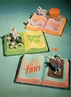 Vintage Book Cakes - From Cakes Inspired by Books http://www.buzzfeed.com/alannaokun/cakes-inspired-by-books
