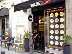 Wilde Vintage Carrer Joaquim Costa-Vintage sunglasses reference boutique of Barcelona. Hip and cosy atmosphere, don't miss it!