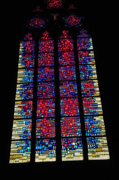 Worms Cathedral Stained Glass Window - Worms Cathedral Stained Glass Window Composed with the three primary colours: red, yellow, blue. Modern Stained Glass, Stained Glass Church, Stained Glass Light, Stained Glass Suncatchers, Stained Glass Panels, Stained Glass Projects, Stained Glass Patterns, Leaded Glass, Mosaic Patterns