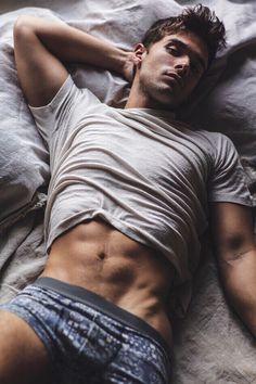 Model : Josh Swickard