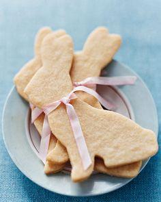 Sugar Cookie Bunnies #Easter #cookies #recipe