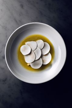 The ricotta dumplings with mushrooms and pecorino sardo at Estela in New York are breathtaking. Cool Restaurant, Restaurant Recipes, Dessert Restaurants, Food Plating Techniques, Steak Dinner Sides, Mushroom Dish, Modernist Cuisine, Gourmet Recipes, Gourmet Foods