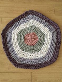 Yarn carpet
