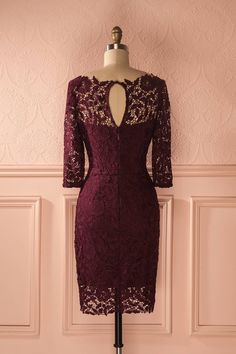 Kikuko - Burgundy fitted lace dress with 3/4 sleeves