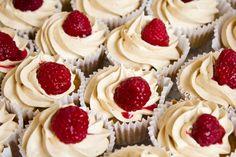 PBJ Raspberry Cupcakes   Erdnuss-Himbeer-Cupcakes
