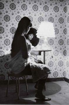 Claudia Cardinal. Back / front. Through the lens of Mario De Biasi. '59.