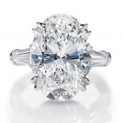 Oval-Cut Ring with baguettes                                 Harry Winston
