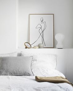 47 Inspiring Modern Scandinavian Bedroom Design And Decoration Ideas - At the end of the day when you retreat into your bedroom, do you look around and wonder why it's not designed as a relaxing space? The master bedroom . Interior Exterior, Home Interior, Scandinavian Interior, Luxury Interior, Modern Interior, Home Bedroom, Bedroom Decor, Bedrooms, Master Bedroom