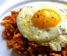 Fried Eggs & Sweet Potato Hash | #glutenfree #grainfree