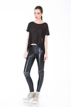 #blackblouse www.bluzat.ro Black Blouse, Fashion Addict, Leather Pants, Ss, Leather Jogger Pants, Leather Joggers, Leather Leggings