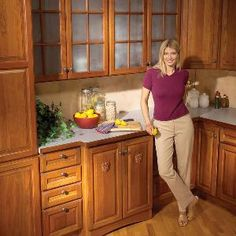 Are you bugged by kitchen cabinets that  don't work quite right? Broken latches,  loose door hinges, sticking drawers—are they driving you bonkers? Read on for  easy fixes to these and other common cabinet problems.