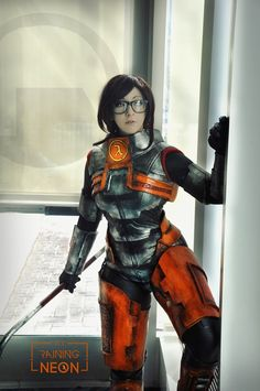 I love this game, Half Life, and this character is awesome!! Miss Freeman by It´s-Raining-Neon. Photo by Vask.