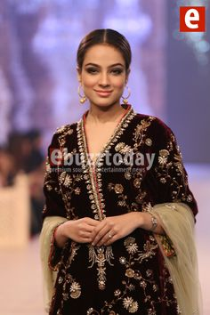 Misha-Lakhani - PFDC-L'Oréal-Paris-Bridal-Week-2014-ebuzztoday (67)