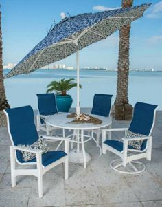 Beachy, comfy patio dining is in style with the Cape Cod Sling! Discount Patio Furniture, Deck Furniture, Patio Dining, Outdoor Dining, Outdoor Decor, Coastal Living Rooms, Vero Beach, Garden Seating, Restaurant