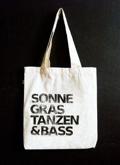 """Jutebeutel """"Sonne Gras Tanzen & Bass"""" // Tote bag """"Sun gras dancing & bass"""" by hellopetie via DaWanda.com"""
