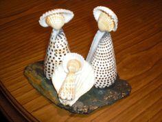Galeria de Fotos :: ARTEPRES - arte dos presépios Sea Glass Crafts, Sea Crafts, Rock Crafts, Diy Arts And Crafts, Cute Crafts, Diy Crafts To Sell, Seashell Projects, Seashell Crafts, Shell Decorations