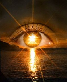 NASA Confirms -Super Human Abilities Gained Sun Gazing - storing sun's energy into your body Santa Sara, Images Gif, Bing Images, Look Into My Eyes, Eye Art, Third Eye, Beautiful Eyes, Amazing Eyes, Belle Photo