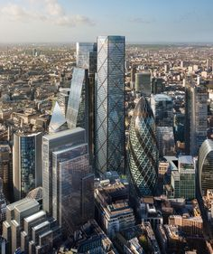 The new skyscraper of London was unveiled. The 1 Undershaft was designed by the architect Eric Parry. The main goal was to create the tallest building in the City of London, which will rise in Architecture Design, London Architecture, Futuristic Architecture, Amazing Architecture, London City, London Skyline, London Bus, London Square, London Photos