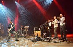 4.5. Orquesta Solaz: Suomalaisen salsayhtyeen rytmikäs musiikki ja energinen lavaesiintyminen tempaavat mukaansa.  Yhtyeen oman musiikin ohella he esittävät tunnetuimpia salsamusiikin helmiä muun muassa Juan Luis Guerra & 440:lta, Cheo Felicianolta, Orquesta Tabaco y Ronilta ja Lalo Rodríguezilta. #eckeröline #suomi100 #elämyslaineilla #msfinlandia