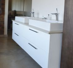 Kitchen Cupboards | Wood and Laminate Flooring