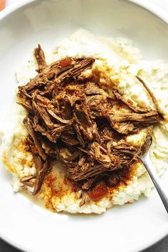 London Broil cooked in the slow cooker is tender and full of flavor.especially with a balsamic gravy. Make it keto with a few substitutions. Crockpot London Broil, Cooking London Broil, London Broil Recipes, Cube Steak Recipes, Slow Cooker Recipes, Crockpot Recipes, Balsamic Marinade, Low Carb, Hearty Recipe