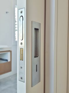 Chant - VS privacy locking flush pull, installed by The Tidy Tradie - Lock Carpenter. Supplied by Mother Of Pearl & Sons Trading. #Chant #ChantProductions #ChantHardware #MOP