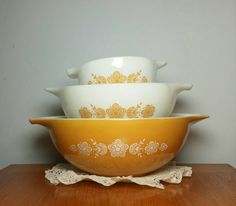 Vintage Pyrex Butterfly Gold Cinderella Mixing Bowl by atgbvintage