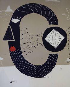 """Intervención de los Fratelli Moca en el #CornerMIZ de #ZaragozaActiva, dentro del proyecto """"Objeto de deseo"""". """"Objeto de deseo"""" es una iniciativa de carácter artístico que analizar el retorno a lo tangible que se ha producido en los últimos años tras el proceso de digitalización y desmaterialización que se provocó durante los primeros años del siglo XXI de forma paralela al desarrollo tecnológico y evolución de Internet. Este proceso de retorno a lo objetual supone además una recuperación de…"""
