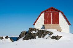Winter day in Lofoten, Norway I @Satu VW todestinationunknown.com I Destination Unknown