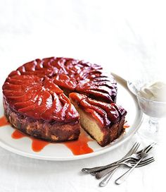 Upside-Down Quince Cake. Use in season quince to make this glorious upside-down cake. The light and fluffy sponge soaks up the delicious taste of caramelised quince perfectly, serve with a generous dollop of whipped cream. Almond Recipes, Fruit Recipes, Sweet Recipes, Baking Recipes, Cake Recipes, Dessert Recipes, Sweet Desserts, Quince Recipes, Recipes