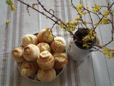 Túrós rózsa Garlic, Vegetables, Food, Essen, Vegetable Recipes, Meals, Yemek, Veggies, Eten