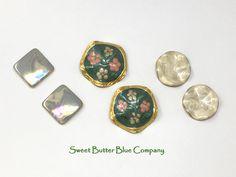 Pastel earring mix, vintage enamel earring lot, retro 70s pierced earrings, abstract jewelry #retroearrings #vintageearrings #earringlot #destashearrings