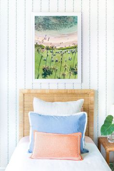 Gray Malin shares the newly styled guest bedroom in his home with coastal home decor and his new wallpaper. Hawaiian Bedroom, Hawaiian Home Decor, Hawaiian Homes, Coastal Bedrooms, Guest Bedrooms, Home Bedroom, Girls Bedroom, Beach Chic Decor, Beautiful Interior Design