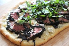 gingersnaps: grilled steak & gorgonzola pizza with balsamic reduction