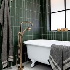 Find the latest interior design trends on our Instagram! Clawfoot Bathtub, Shower Tub, Interior Design Inspiration, Design Trends, Pure Products, Instagram, Shower Pan, Bathroom Tub Shower