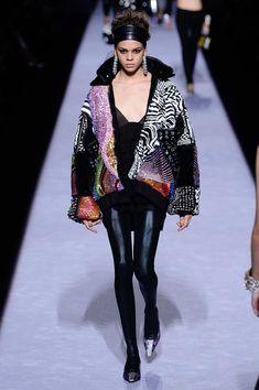 156 mejores imágenes de TOM FORD - STYLE   Fashion show, Cat walk y ... 9e67d6e947