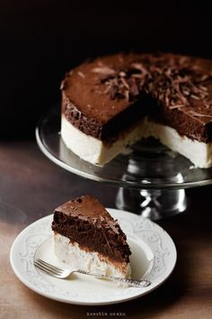 Sernik biały z musem czekoladowym | Kwestia Smaku