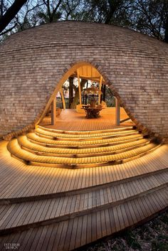 Eco-Friendly Safari Lodge In Botswana's Okavango Delta, the Sandibe Okavango Safari Lodge is constructed with biodegradable materials sourced from sustainable forests. Genius Loci, Party Outfit Plus Size, Bamboo House Design, Bamboo Construction, Entry Stairs, Okavango Delta, Interior Design Magazine, Architecture Details, Architecture Interiors