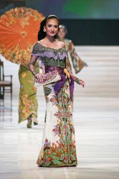Anne Avantie Kebaya  Indonesian Kebaya (national costume)