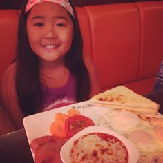 Our cousin, another #kidfoodie  #breakfast #lamode #english breakfast #Dubai #UAE #kids #kidtravel #kidfoodies