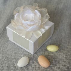 Wedding Favors And Gifts, Wedding Favor Boxes, Bride Gifts, Party Favors, Baby Wedding, Wedding Candy, Islamic Gifts, Baptism Favors, Paper Roses