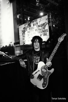 Richard Fortus, guitar player for Guns N Roses, Dead Daisies & the Compulsions