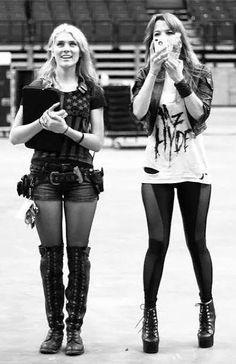 Lzzy Hale ✾ of Halestorm Lzzy Hale, Hot Goth Girls, Punk Rock Outfits, Women Of Rock, Halestorm, Rocker Style, Metal Girl, Girl Gang, Autumn Winter Fashion