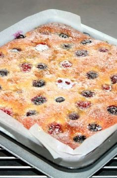 Low FODMAP Recipe and Gluten Free Recipe - Raspberry & blueberry lime drizzle cake http://www.ibs-health.com/low_fodmap_raspberry_blueberry_lime_drizzle_cake.html