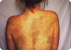 Antique map tattoo. Gorgeous. This is crazy! Want! Tattoo. World map tattoo. Back tattoo.